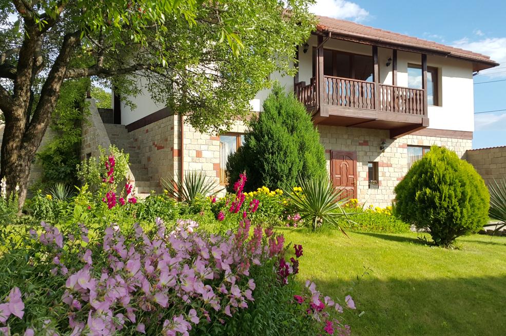 """Къща за гости """"Кьосев"""" винен туризъм"""