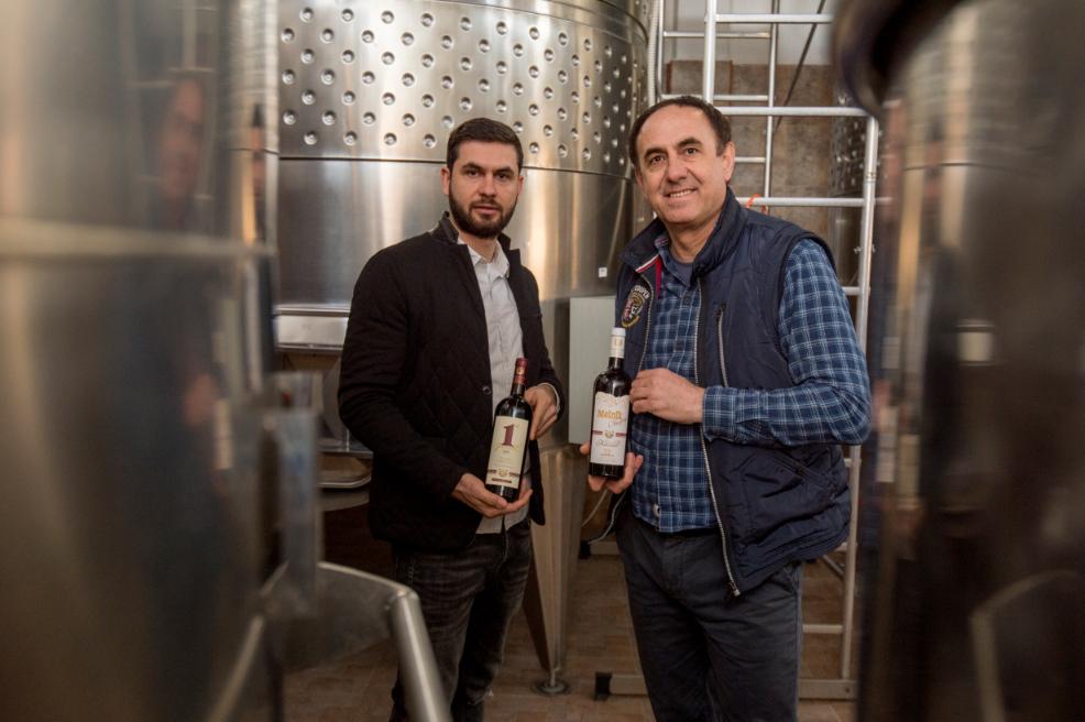 """Пето поколение производители на вино в изба """"Кьосев"""""""